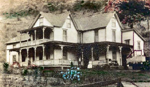 Renovo_Pa/emma_and_everett_hall_point_breeze_south_renovo_pa.jpg